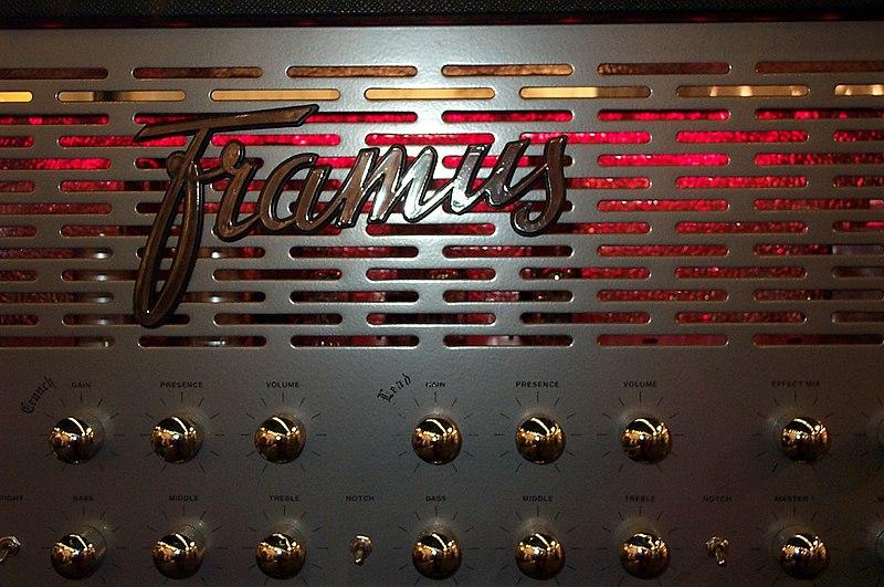 File:Framus Cobra Top, Musikmesse Frankfurt 2006.jpg