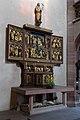 Frankfurt Am Main-Leonhardskirche-Ausstattung-Hauptschiff-Kreuzaltar-Geoeffnet.jpg