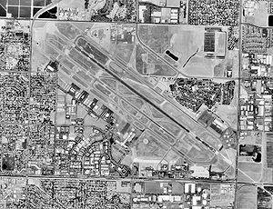 Fresno Yosemite International Airport - USGS aerial image, 1998