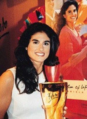 Gabriela Sabatini - Sabatini with her perfume in 2006.