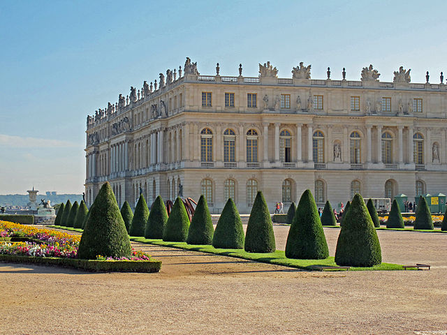 Arhitektura Baroka 640px-Garden_facade_of_the_Palace_of_Versailles_2