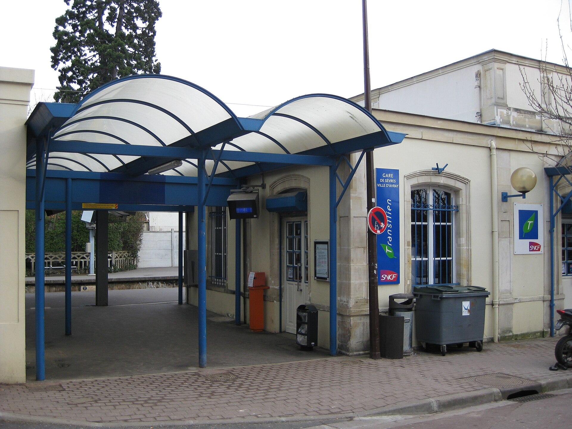 Paris Gare Sevres D  Ef Bf Bd S Ef Bf Bdvres Ville D Avray