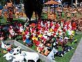 Gartenzwerge auf Markt.jpg