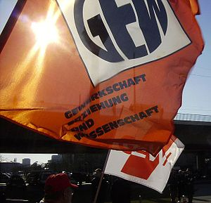 Education and Science Workers' Union (Germany) - Logos of the GEW, newer one in the background