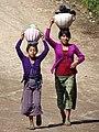 Girls Bearing Loads - Chajul - Quiche - Guatemala (15763213607).jpg