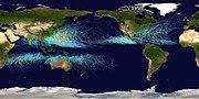 Carte montrant la trace de tous les cyclones tropicaux entre 1985 et 2005. Les points montrent la position des cyclones par intervalle de 6 heures, et la couleur correspond à l'Échelle de Saffir-Simpson.