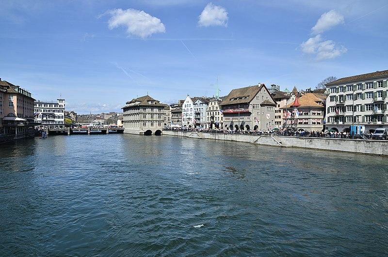 File:Gmüesbrugg - Rathaus - Limmatquai - Saffran-Haue-Rüden-Zimmerleuten - Münsterbrücke 2015-04-13 14-53-03.JPG