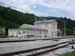 Gornje Lezece-train station.jpg