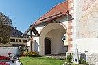 Grafenstein Sankt Peter Pfarrkirche hll. Petrus und Paulus Kruzifix und Vorhalle 21092015 7675.jpg