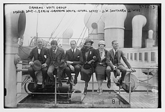 Ethel Levey - Image: Grahame White group Arnold Daly, I. Berlin, Grahame White, Ethel Levey, J.W. Southern & wife LCCN2014712488