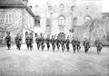 Gruppe von Infanteristen beim Bajonettfechten - CH-BAR - 3238138.tif
