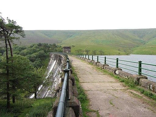 Grwyne Fawr reservoir dam (geograph 3590130)