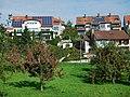 Häuser in Holzgerlingen bei dem Museums Radweg, Würm.Rad.Weg - Heckengäu Natur Nah, Skulpturenweg, Sculptoura, Kunst in der Natur - panoramio.jpg