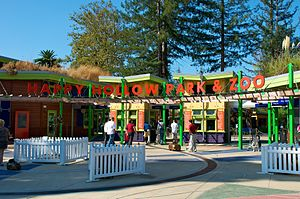 Happy Hollow Park & Zoo - The entrance to the zoo