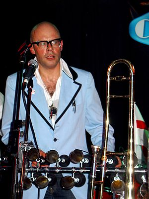 Harry Hill - Hill in Putney with The Caterers in 2006