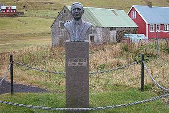 Skálavík - Image: Hedin bru, memorial skalavik