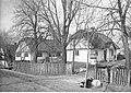 Henryk Poddębski - Chaty w Chylicach (131-1961).jpg