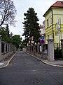 Hradešínská, od Říčanské k východu.jpg