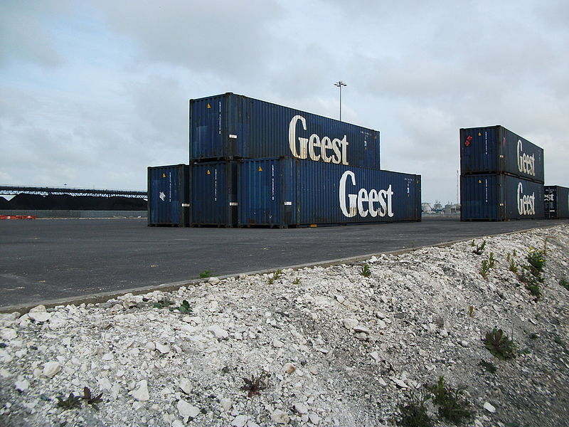 File:ISO containers, Kingston upon Hull.jpg