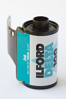 Ilford Delta 100 Professional 135 film cartridge 03.jpg