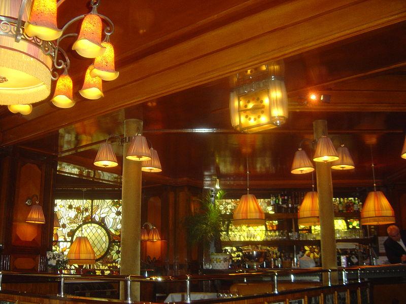Inte Cafe Paris