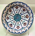 Iznik polychrome ware late 16th early 17th century.jpg