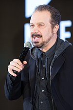 Photo of Edward Zwick in 2016.