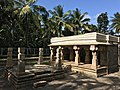 Jain temple at Sultan Bathery Kerala India 05.jpg