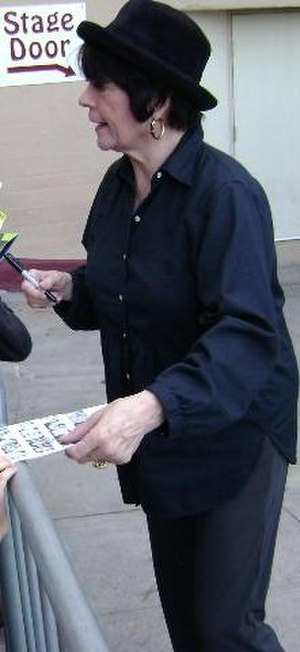 Jo Anne Worley - Worley signing autographs at a Wicked performance