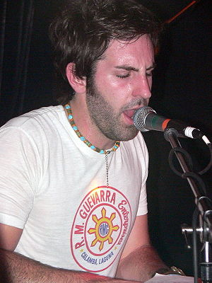 Josh Kelley - Kelley performing in 2007