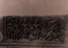 KITLV 155170 - Kassian Céphas - Reliefs on the terrace of the Shiva temple of Prambanan near Yogyakarta - 1889-1890.tif