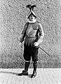 Kapitein Umberto Aebischa poseert in groot gala, Bestanddeelnr 191-1267.jpg