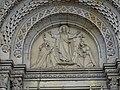 Karlínské náměstí, kostel svatých Cyrila a Metoděje, reliéf nad hlavním vstupem.jpg
