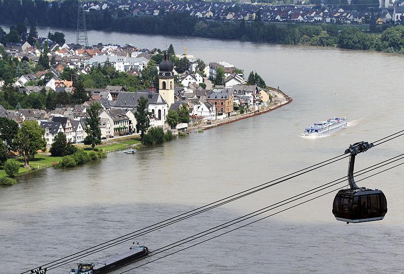 File:Kath. Pfarrkirche St. Peter, Koblenz-Neuendorf.jpg