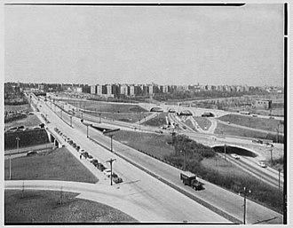 Kew Gardens Interchange - The interchange in 1955