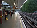Kilburn station look west.JPG