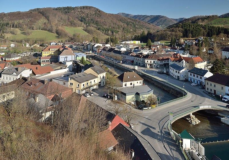 Beste Spielothek in Schwarzenbach an der Pielach finden
