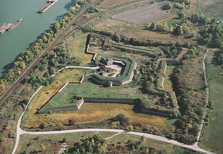 星型要塞コマルノ、スロバキア