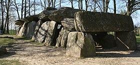 LaRocheAuxFees Dolmen 2 20070408.jpg