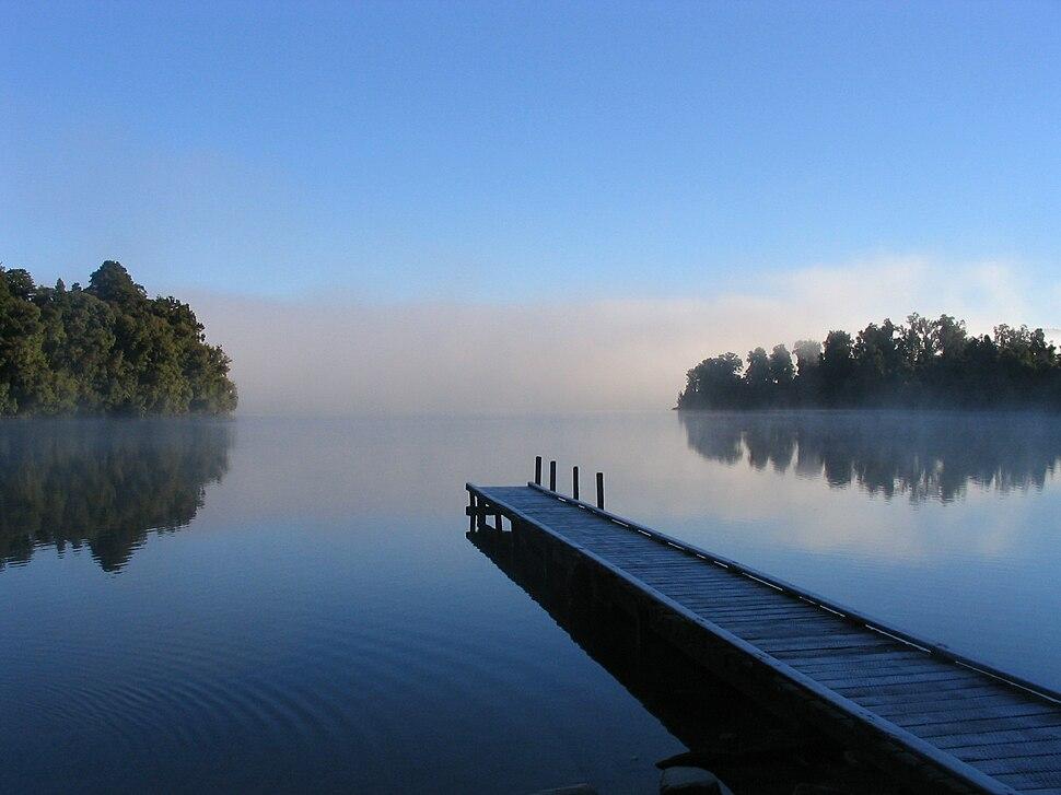 Lake mapourika NZ.jpeg