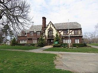 Eisenhower Park - Lannin House