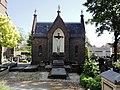 Lent Rijksmonument 522955 Calvarie en baarhuisje op RK kerkhof.JPG