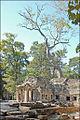 Lentrée est du temple Ta Prohm (Angkor) (6990984319).jpg
