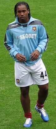 Leo Chambers with West Ham United.jpg