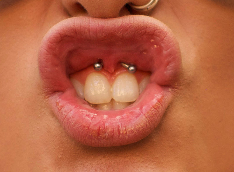 frenulum piercing