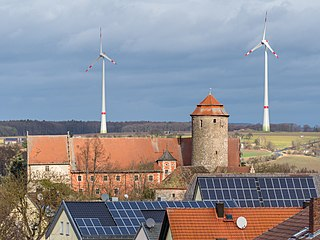 Lisberg Burg Windräder Solar power PC313027.jpg