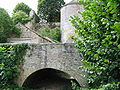 Little bridge and Dungeon in Noyers-sur-Serein (Brugndy, France).JPG