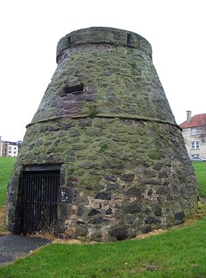 Leith Links - Lochend Doocot, believed to have been used as a plague kiln