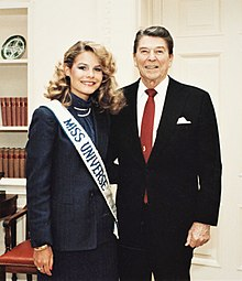 Lorraine Downes and Ronald Reagan (cropped).jpg