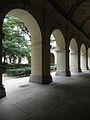 Lyon (69) Palais Saint-Pierre Cloître 02.JPG